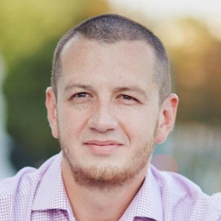 Дмитрий<br/>Перлин